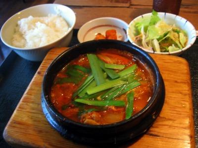 【ランチ】豚キムチチゲライスセット/有楽町・丸の内 韓国家庭料理 有楽町 コパンコパン