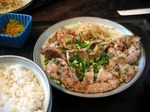 【ランチ】表参道・SIZZLE(しずる)/豚トロ焼き(肉大盛り)定食