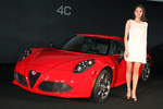 Alfa 4C 日本デビューでアルファ ロメオの女神「長澤まさみ」が降臨!