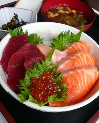 【ランチ】千葉市中央卸売市場「和食 三松」/海鮮丼