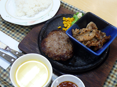 【ランチ】新浦安・石焼きハンバーグ はんばーぐきっず 千葉新浦安店/豚しょうが焼き&ハンバーグランチ