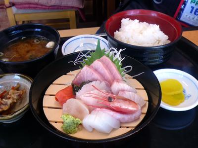 【ランチ】千葉市中央卸売市場・和食処 さくら/刺身定食(上) 生本まぐろ入り