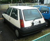 RENAULT_CINQ_AT