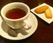 八重洲_イタリアンカバチ_ランチセットの紅茶と自家製クッキー
