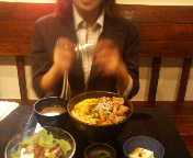 京橋 東京バルバリ 元祖炭火焼親子丼を撮るのりっちょサン