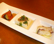 丸ノ内・Asli(アスリ)丸の内店のランチ 伊達鶏の挽肉カレーについてくる「アスリのお惣菜3種盛り合わせ」