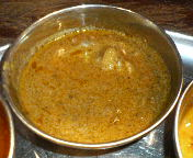 八重洲 南インド料理 ダバ・インディアのランチ 3色カレー 辛口:マトンラダ