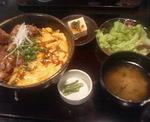 日本橋ぼんぼり京橋店の元祖炭火焼親子丼