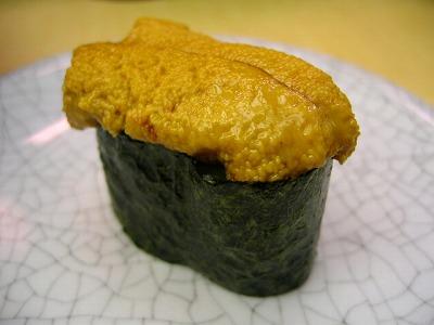 渋谷・廻る 天下寿司のうに(大盛) 1皿 130円