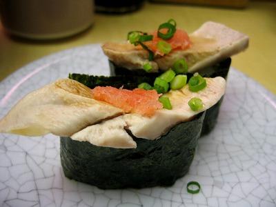 渋谷・廻る 天下寿司の白子(サーモン) 1皿 130円