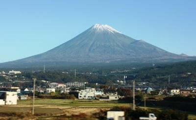 新幹線車窓から見えた富士山