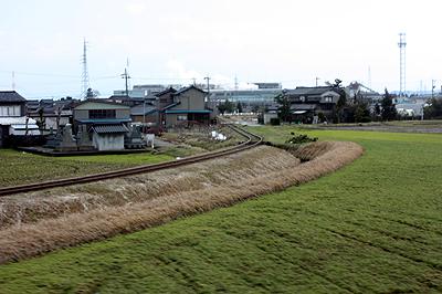 二塚駅からは中越パルプの貨物専用線が