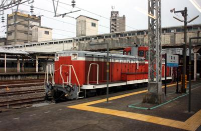 JR城端線には貨物列車も運行されている