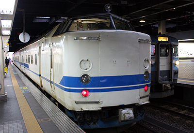 JR西日本 719系 交直流式 近郊型電車(金沢駅にて)
