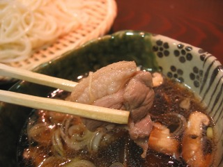 銀座5丁目・AROMA DININGのランチ 五島手延べうどんの鴨肉