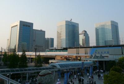 JR京葉線 海浜幕張駅前