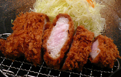 六本木・とんかつと豚肉料理 平田牧場/ほのかにピンク色した「金華豚のロースかつ」