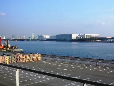 【ビール&ジンギスカン!】船橋港・サッポロビール千葉ビール園 窓から見える習志野・船橋港の景色