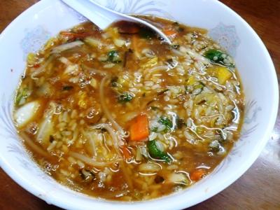 浜金谷(千葉)・味はな/「あらめ」をご飯・具などとしっかり混ぜてとろみが出た状態の「海藻とろろ野菜ラー飯」