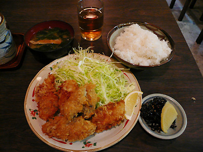 有楽町・西田のカキフライ定食