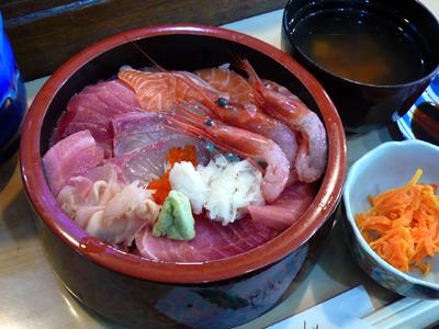 【ランチ】「市場といえば海鮮丼!」千葉市中央卸売市場「すし・かっぽう 江戸清」/海鮮丼(+生・甘海老3本)