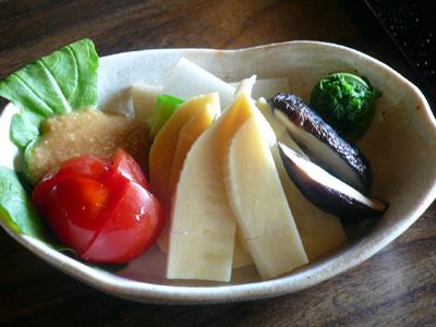 つくば・蕎舎(そばや)/筍(たけのこ)と旬野菜のサラダ