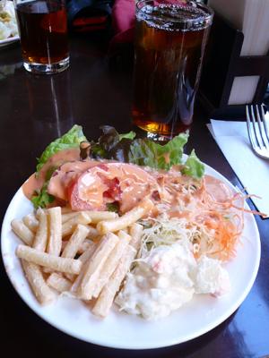 【ランチ】有楽町・VICTORIAN PUB THE ROSE & CROWN 有楽町店/ランチ サラダ&ドリンクバー